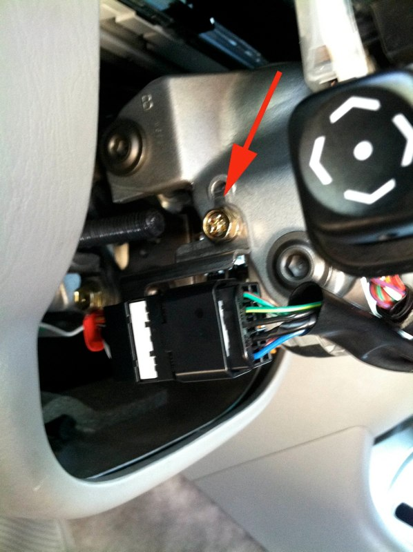 Wiring Diagram For 2004 Buick Regal additionally Watch furthermore YHrWHa likewise 2004 2010 Toyota Sienna Fuse Box Lid Tab Location further Somanybatteriessolittletime. on toyota fuse location